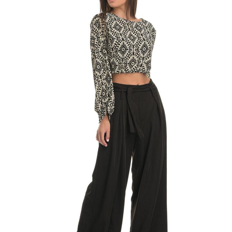 Ψηλόμεση παντελόνα με ζώνη σε μαύρο χρώμα