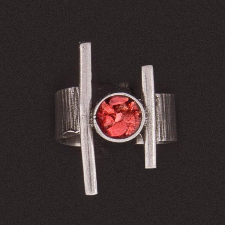 Δαχτυλίδι σε ασημί χρώμα με χρωματιστές πετρούλες