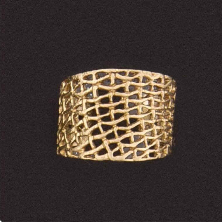 Δαχτυλίδι σε χρυσό χρώμα