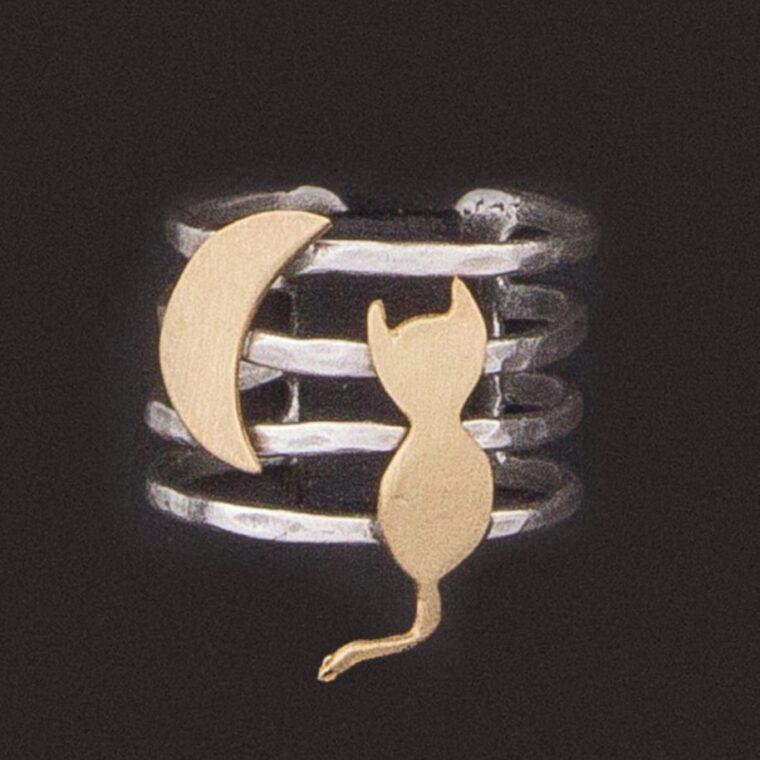 Δαχτυλίδι ασημί με σχέδιο γατάκι και μισοφέγγαρο σε χρυσό χρώμα