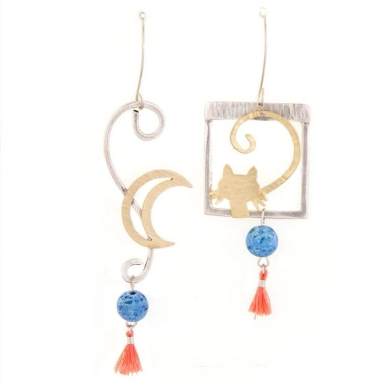 Σκουλαρίκια με σχέδιο γατάκι και μισοφέγαρο με διακοσμητικές πέτρες και κλωστές