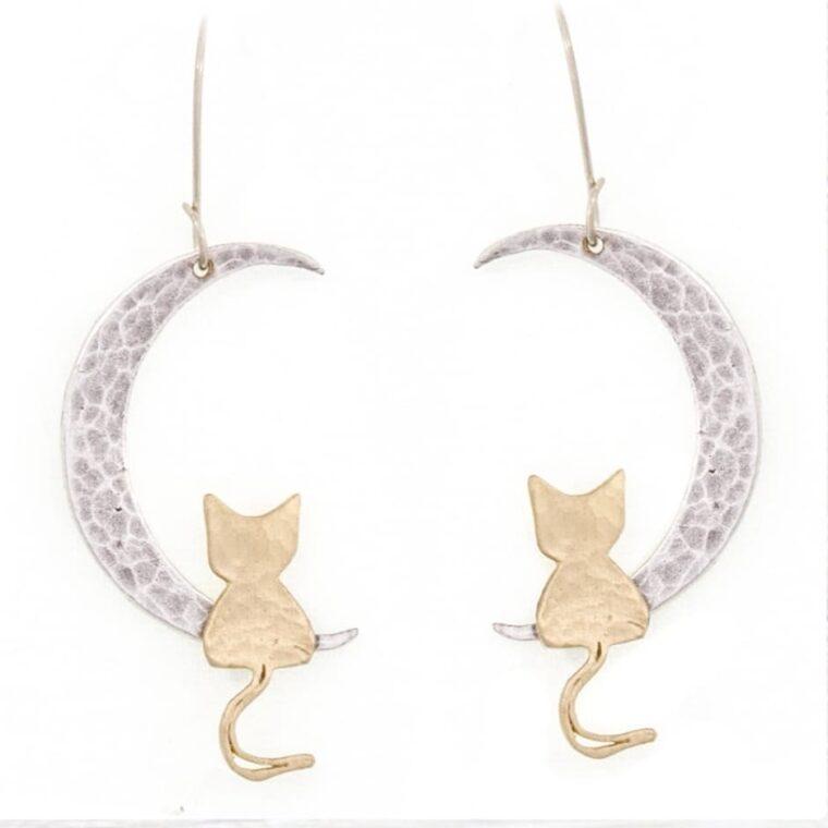 Σκουλαρίκια με σχέδιο ασημί μισοφέγγαρα και χρυσά γατάκια