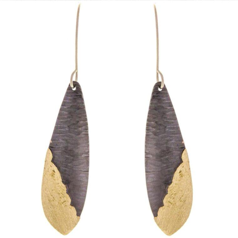 Σκουλαρίκια μακριά σε μαύρο χρυσό χρώμα