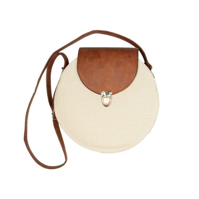 Μπεζ τσάντα στρογγυλή με ταμπά λεπτομέρειες και λουράκι χιαστί