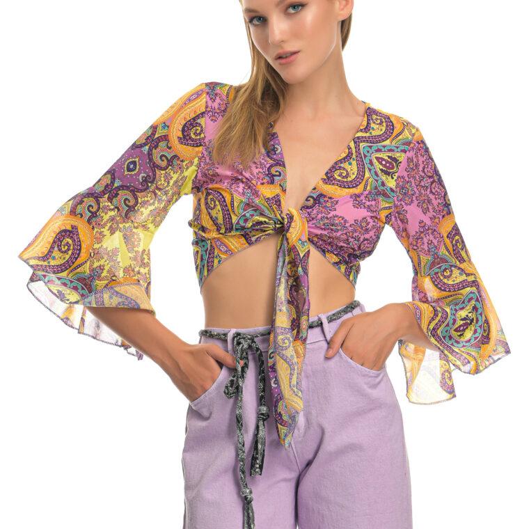 Πολύχρωμο μπλουζάκι με μοτίβο λαχούρι,με δέσιμο στο στήθος και μακρύ μανίκι