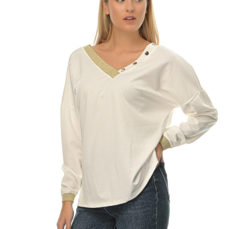Άσπρη μπλούζα με V λαιμόκοψη και χρυσές λεπτομέρειες στο ντεκολτέ και στα μανίκια